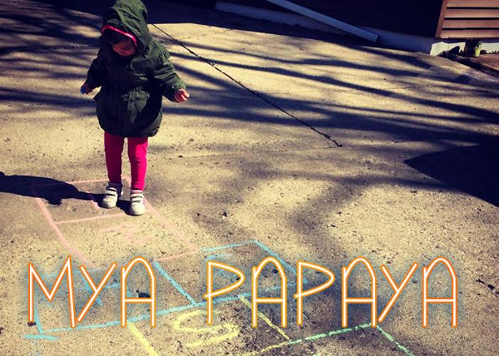 Mya Papaya Font poster
