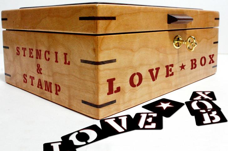 LOVE-BOX Font box