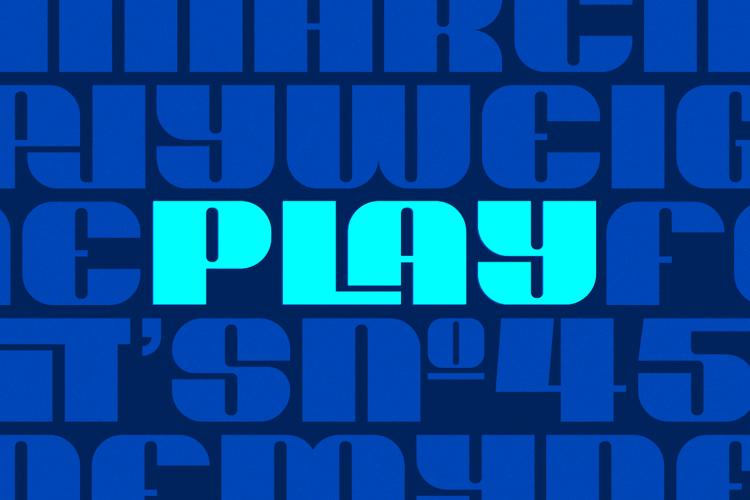 Play Heavy Font
