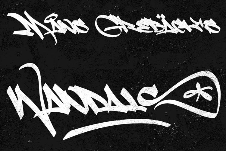 Light Wandals Font