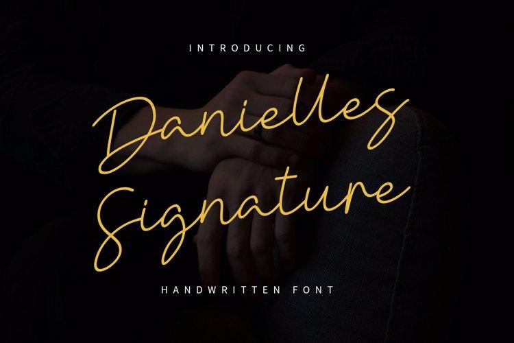 Danielles Signature Font