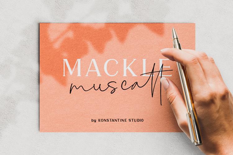 Mackle Script Font
